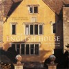 "Sally Griffiths &amp, Simon McBride ""The English House: Architecture &amp, Interiors"""